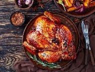 Рецепта Пълнено пиле с краве сирене, кашкавал и майонеза печено под фолио на фурна